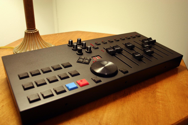 JL_Cooper_CS-10_MIDI_Controller.jpg